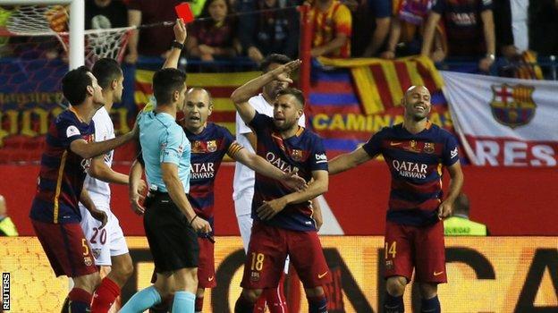 Javier Mascherano is sent off in the final of the Copa del Rey