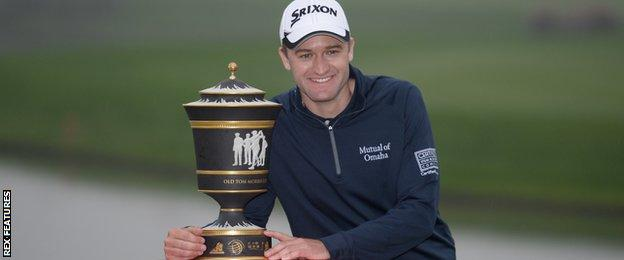 Russell Knox with the WGC-HSBC Champions trophy