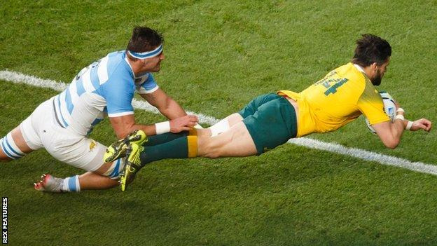Adam Ashley-Cooper scores for Australia against Argentina