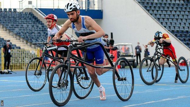 Rafi Solaiman races at the 2021 Para-athletics European Championships