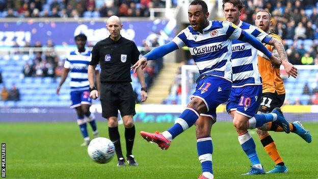 Jordan Obita scores for Reading against Hull