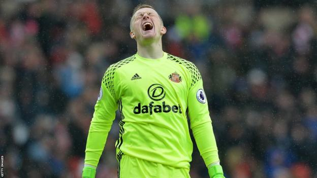 Jordan Pickford injured his knee ligament on Boxing Day playing Manchester United