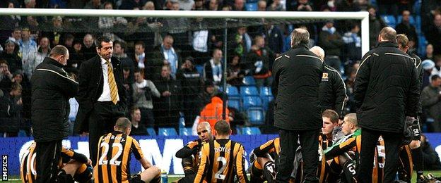 Phil Brown Hull half-time talk