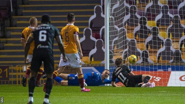 Alan Forrest scores for Livingston