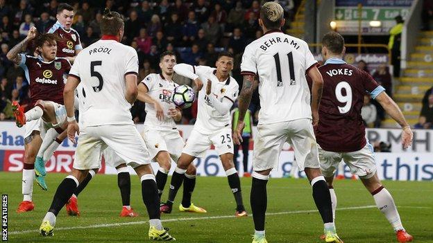 Jeff Hendrick scores for Burnley against Watford
