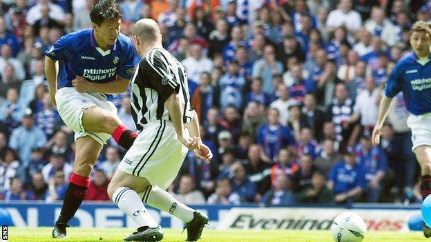 Michael Mols scores against Dunfermline