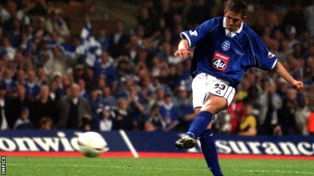 Darren Carter made his name as an 18-year-old at the Millennium Stadium in May 2002 when he scored the winning penalty in the shootout which fired his boyhood heroes Birmingham City to the Premier League for the first time