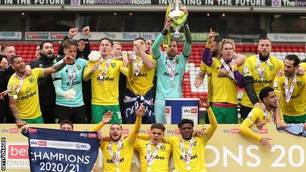 Norwich City players celebrate
