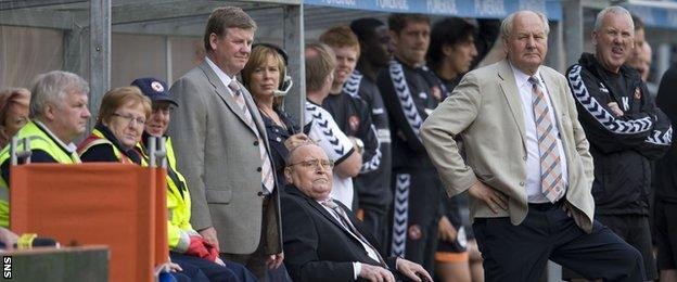 Eddie Thompson watches his beloved United draw 1-1 with Celtic two months before his death