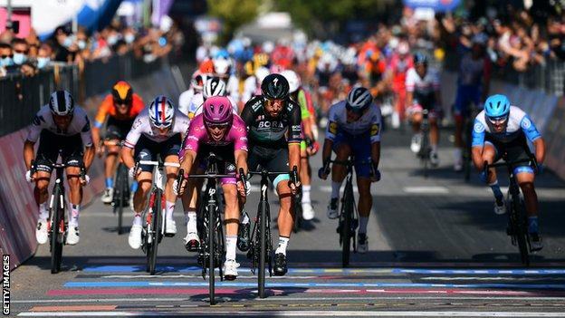 The sprint finish to stage seven of the Giro d'Italia