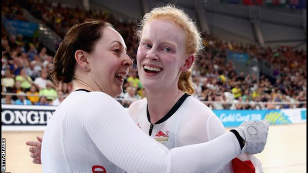 Sophie Thornhill celebrates (right) Commonwealth gold in 2018 with pilot Helen Scott