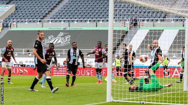 Ahmed Elmohamady scores for Aston Villa