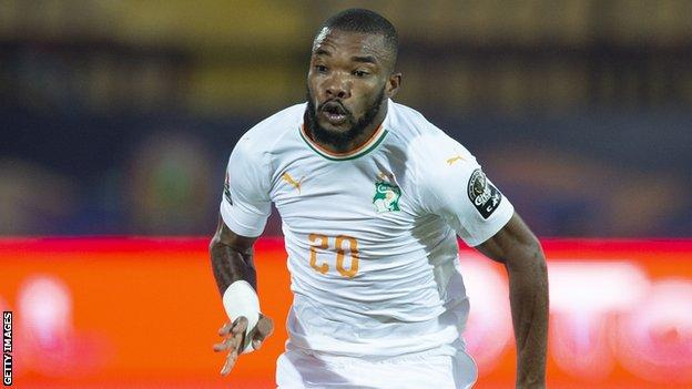Serey Die in action for Ivory Coast