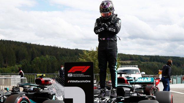 Lewis Hamilton pays tribute to actor Chadwick Boseman
