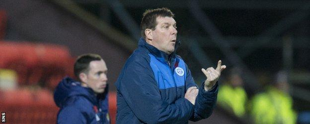 Tommy Wright says St Johnstone can finish in the Premiership's top three