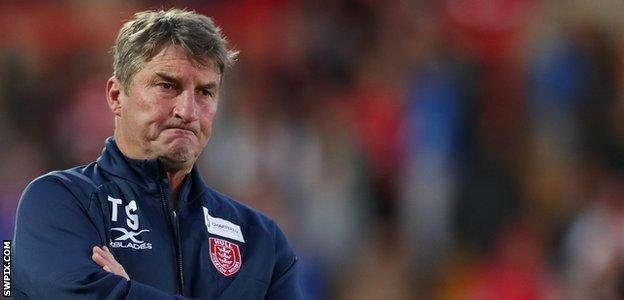 Tony Smith on the sideline for Hull KR