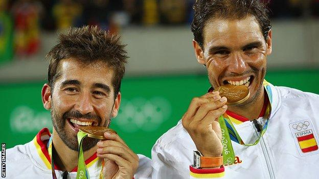 Rafael Nadal (right) and Marc Lopez (left) with their 2016 Olympic gold medals