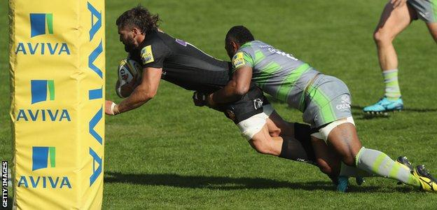 Don Armand scores Exeter's third try