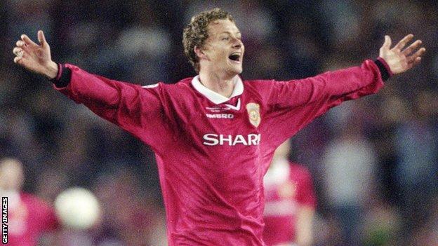 Ole Gunnar Solskjaer célèbre sa victoire en Ligue des champions