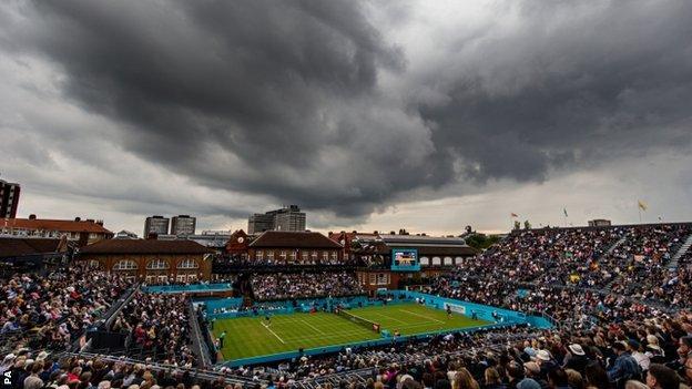 Black clouds above Queen's tennis