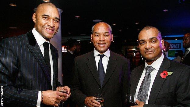 Paul Elliott (left) and deputy PFA chief executive Bobby Barnes (right)