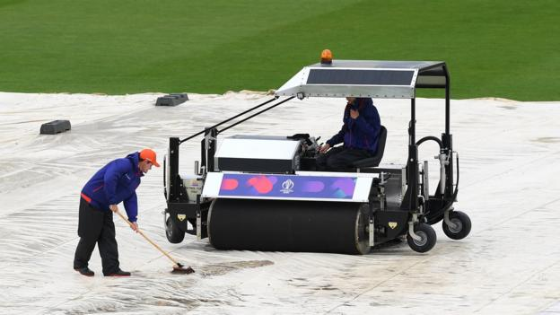 Cricket World Cup: Rain delays Bangladesh v Sri Lanka at Bristol thumbnail