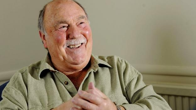 Jimmy Greaves: Former England, Spurs, Chelsea & West Ham striker admitted to hospital - bbc