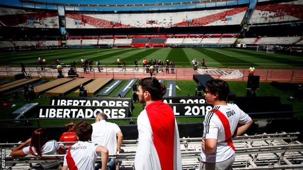 Fans inside the Monumental stadium