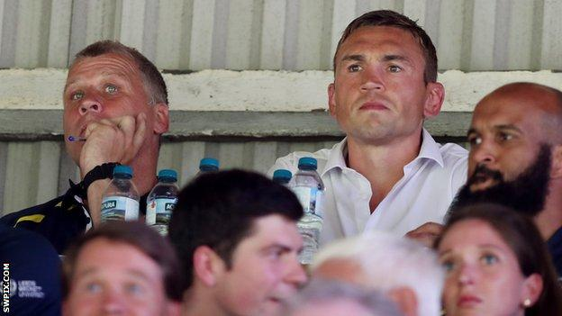 Leeds Rhinos director of rugby Kevin Sinfield and James Lowes in the stands