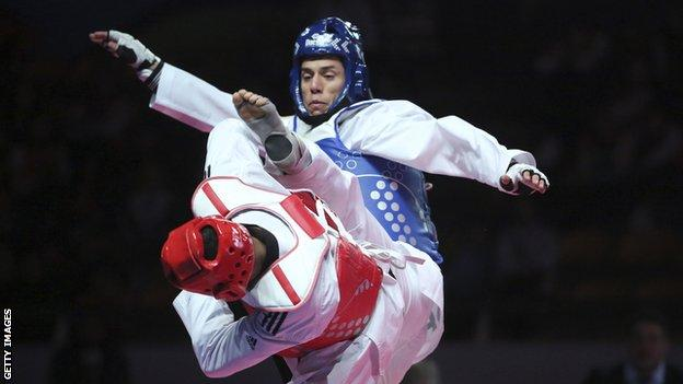 Steven Lopez fighting at the Rio 2016 Games