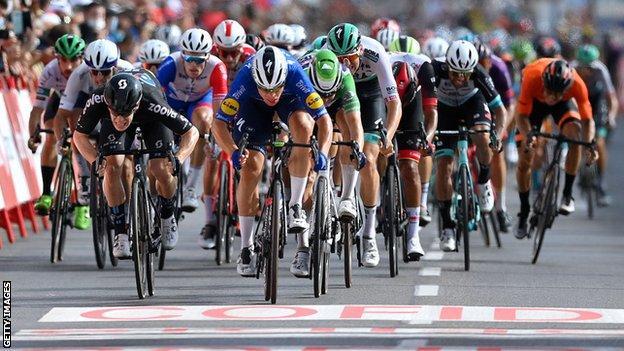 Fabio Jakobsen gewinnt die achte Etappe der Vuelta a Espana