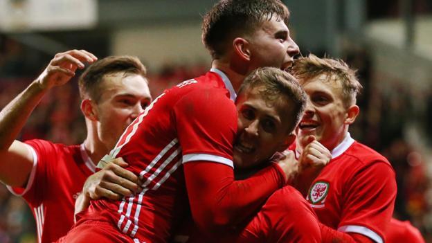 Wales 1-0 Trinidad and Tobago: Ben Woodburn scores injury-time winner thumbnail