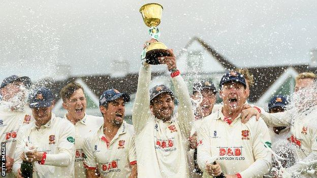 Essex celebrate winning the 2019 County Championship Division One title