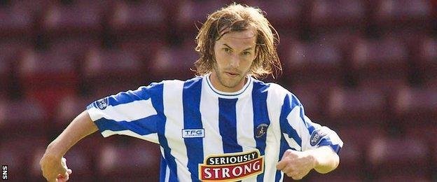 Freddie Dindeleux playing for Kilmarnock