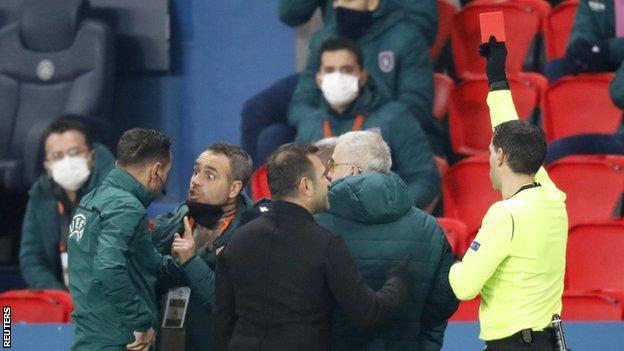 PSG v Istanbul Basaksehir