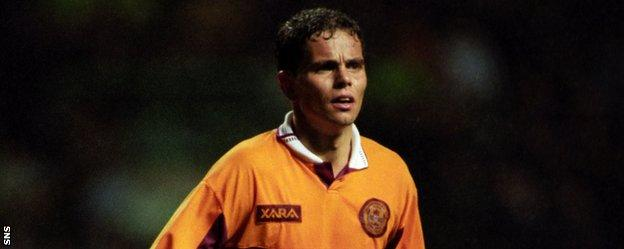 Simo Valakari in action for Motherwell
