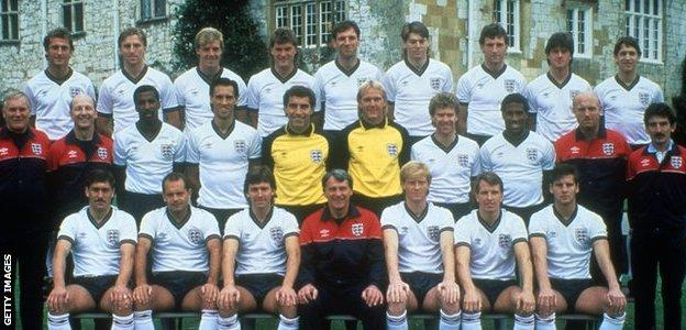 An England football squad picture from 1986