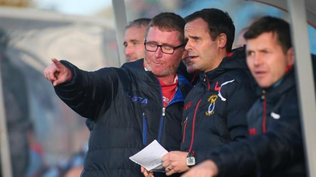 Darren Murphy was in the Dungannon Swifts dugout for the final time at Ballymena as his side lost 1-0 to 10-man Sky Blues