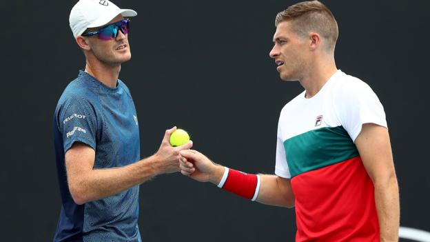 Australian Open: Jamie Murray & Neal Skupski reach second round of men's doubles thumbnail