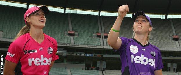 Captains Ellyse Perry and Heather Knight toss up ahead of the WBBL semi-final between Sydney Sixers and Hobart Hurricanes