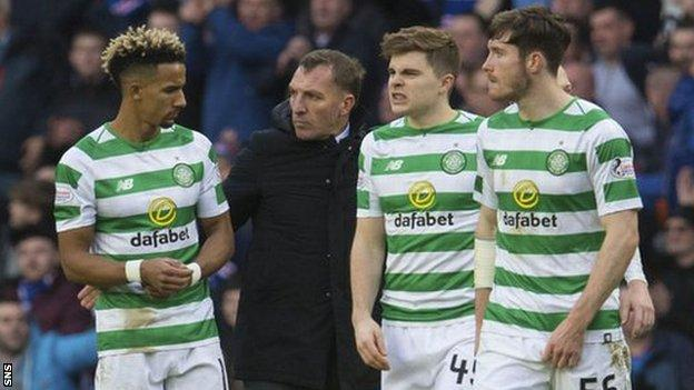 Brendan Rodger with his Celtic players