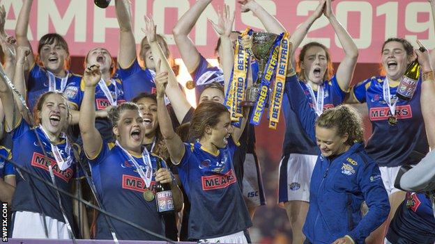 Leeds Rhinos beat Castleford Tigers 20-12 to win the 2019 Women's Super League Grand Final