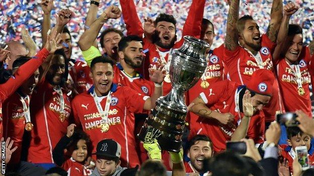 Chile players celebrate winning the 2015 Copa America