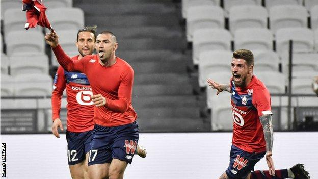 Lyon 2-3 Lille: Visitors lead Ligue 1 after fight back secures dramatic win thumbnail
