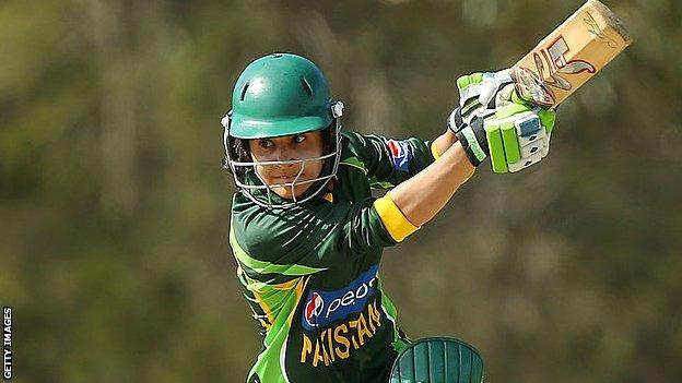 Javeria Khan plays a shot