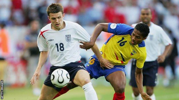 Michael Carrick playing for England against Ecuador at the 2006 World Cup