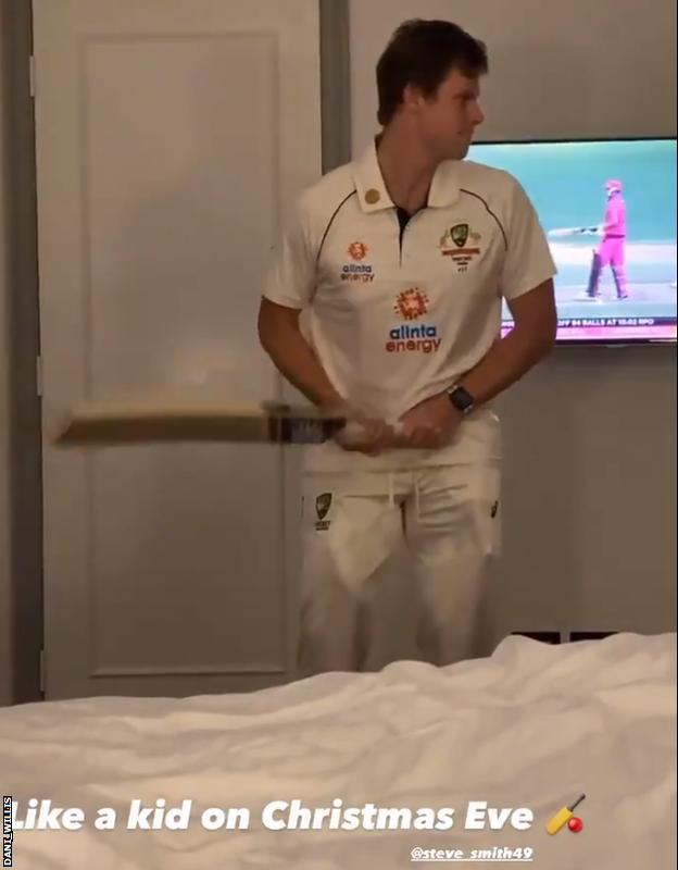 Smith shadow batting in hotel room