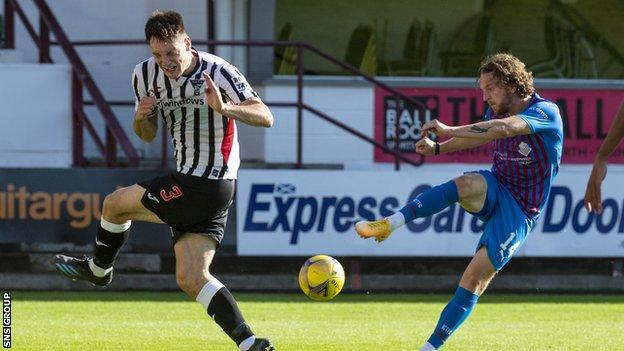 Inverness' Tom Walsh shoots during the cinch Championship match between Dunfermline and Inverness Caledonian Thistle