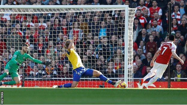 Arsenal beat Southampton