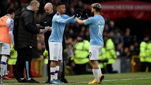 Premier League clubs vote against use of five substitutes for 2020-21 (2020)